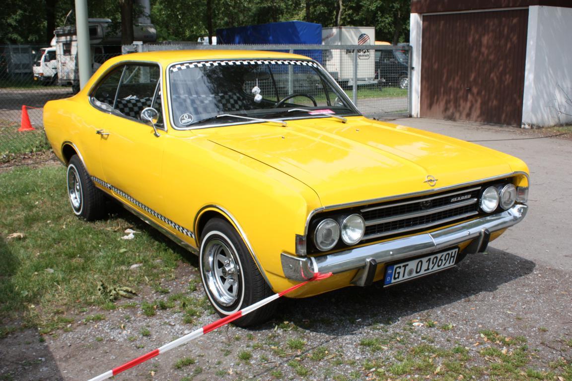 Opel Fahrzeuge beim US Car