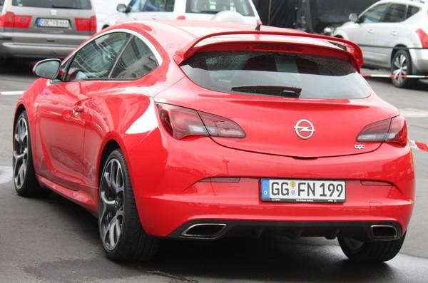Opel Astra Gtc Opc In Freier Wildbahn Erwischt Opelz Blog De